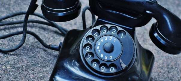 phone-old-year-built-1955-bakelite-163008